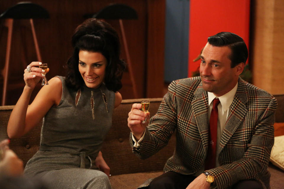 o-mad-men-drinking-game-facebook-1