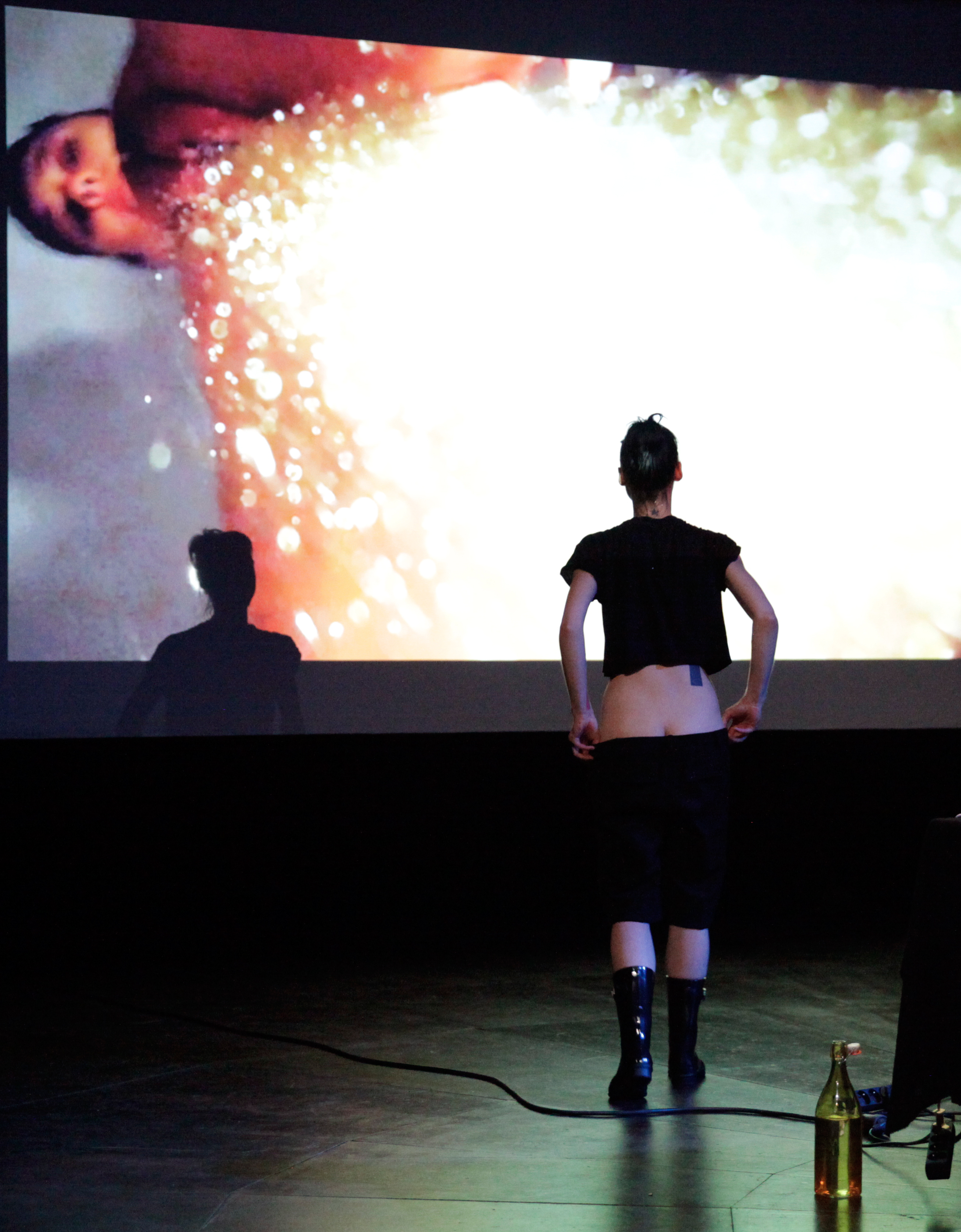 Golden Flux, performance par Marianne Chargois